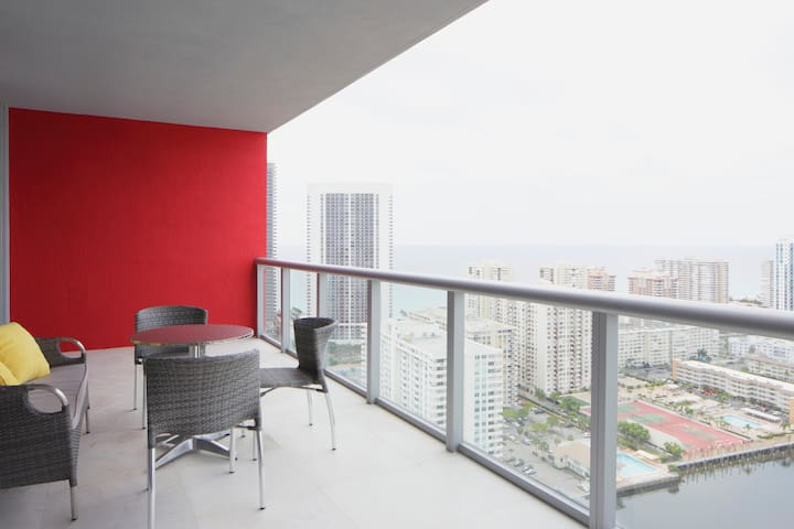 Luxury Apartment with ocean view - Hallandale Beach - Appartement