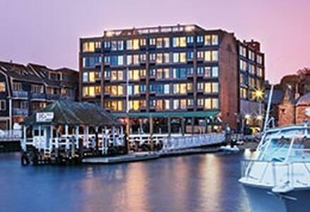 Wyndham Inn on the Harbor- 1 bedroom - Newport - Apartment