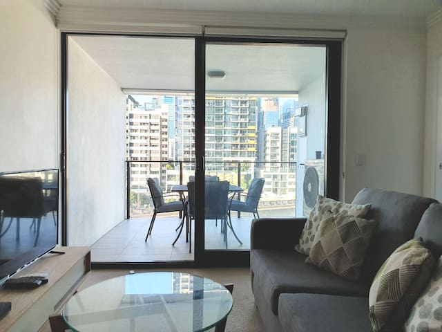 Ensuite Room Close to Everything in South Brisbane