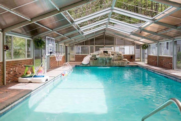 Huge 5br Home w Indoor/Outdoor Pool - Waynesville - Rumah