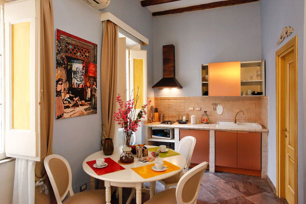 Lovely studio in downtown apartments for rent in rome for Studio apartments in rome