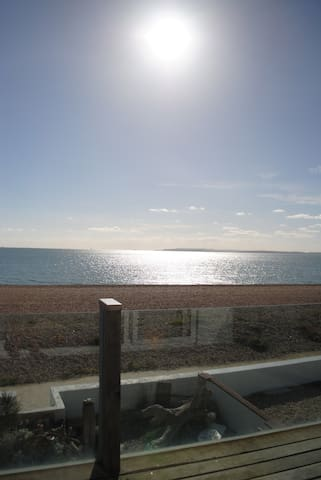 Superkingsize Ensuite on the Beach! - Hayling Island