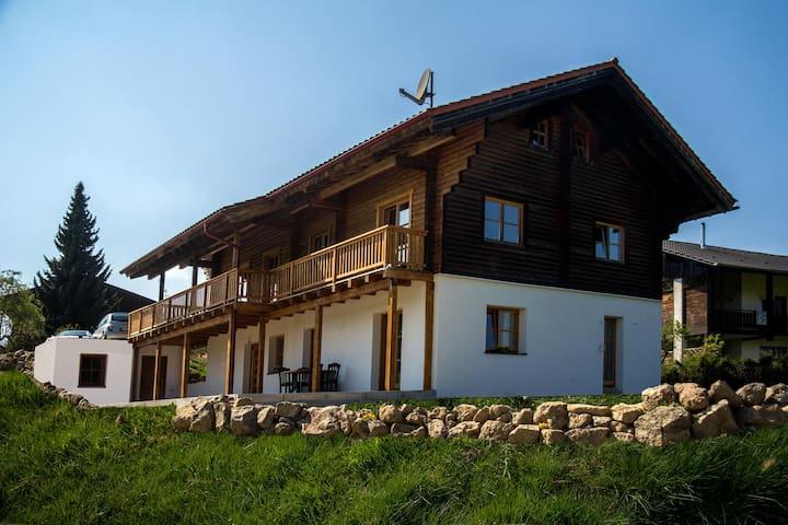 Chalet am Bach - Traum Ferienwohnug - Bad Birnbach - Apartamento