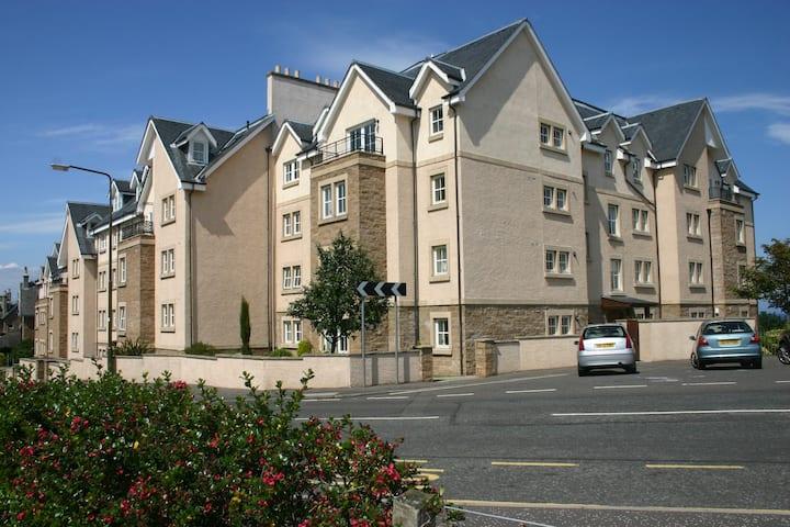 No 8 Royal Apartments