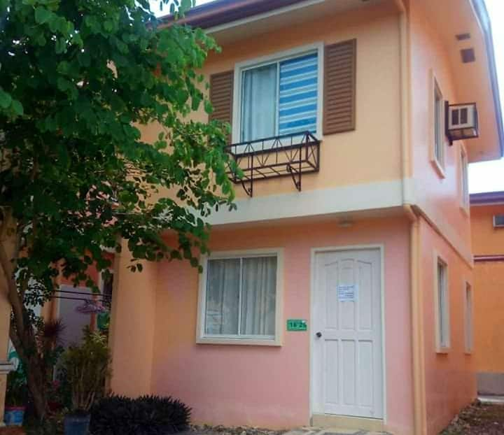 Stay in 2BR Townhouse w/ fast WIFI next to Panglao