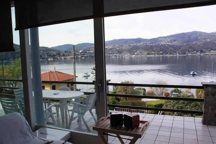 LAKE VIEW AND PRIVATE BEACH - Ranco - Apartamento