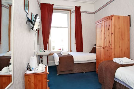 CitiHouse Aberdeen West End - Aberdeen - Bed & Breakfast