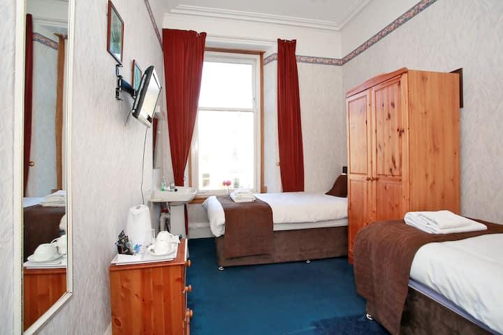 Room 5 - Twin room with shared bathroom