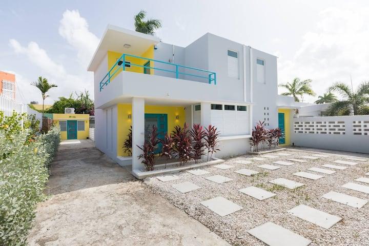 Villa Isabel 🌴 Spacious Ocean Park House w/Pool 🏖