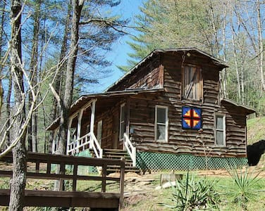 Barn Loft at Healing Springs - Sleeps 5 - Loft