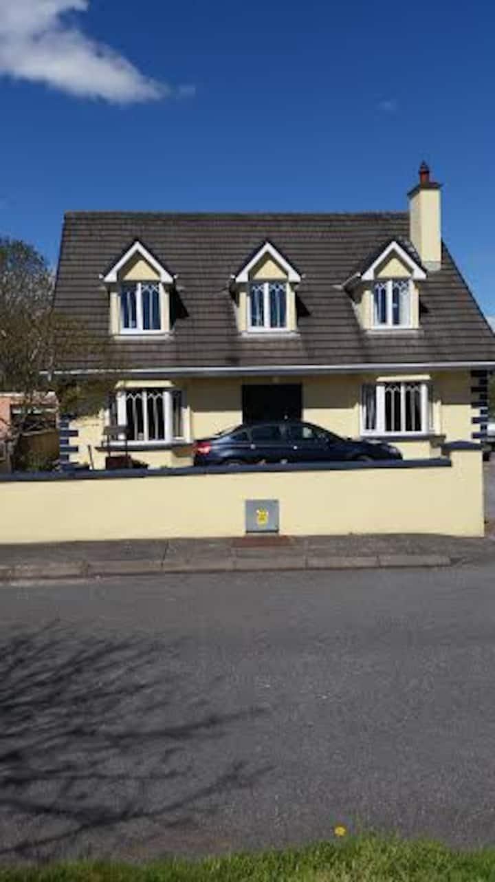Macroom home between Cork & Kerry.