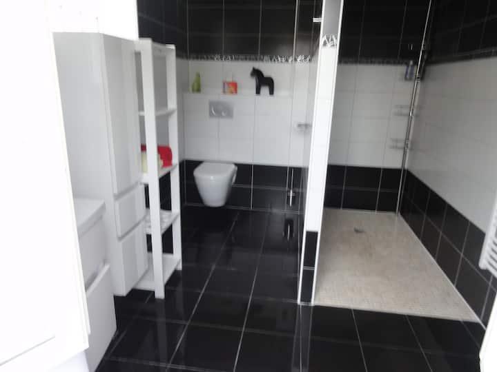 Chambre sanitaire privée auxonne maison neuve