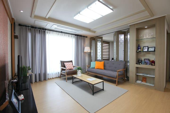 제주를 품은 모던 네추럴 렌탈하우스(30평형) - Jochon-eup, Jeju-si - Lejlighed