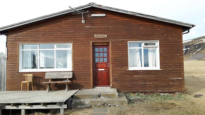 Live like locals in an original house in the west!