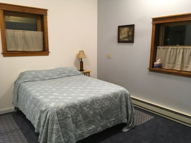 Comfy sheets and Firm mattresses