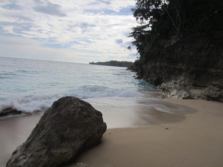 Paradise in Blackrock - Taso's Cabin