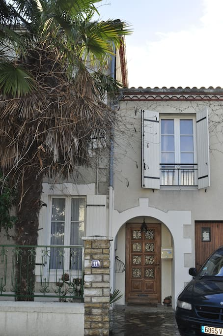 Grande maison proche centre bastide houses for rent in for Garage audi villeneuve sur lot