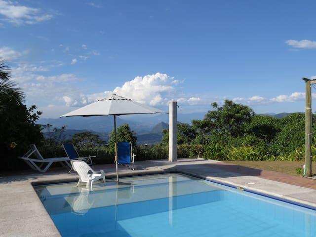 Finca con piscina capacidad 10 pers. Piscina y más - Valparaiso - Casa
