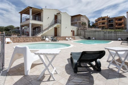 Gallura Family Apartments, Sail - badesi - Apartamento