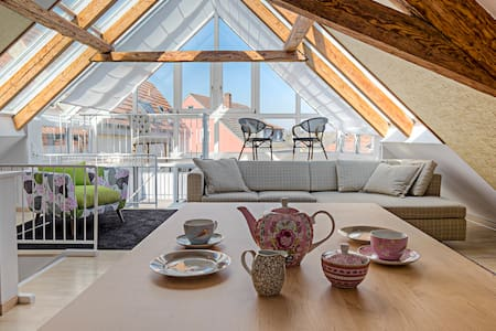 Top MAIN-Loft mit 60qm Dachterrasse - Appartamento