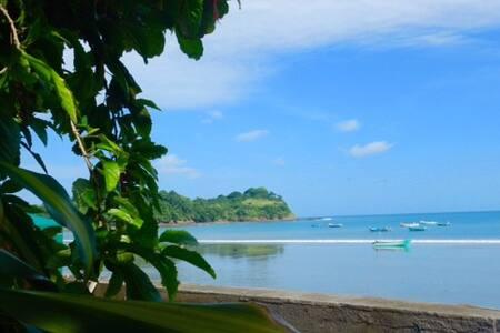 La Jungla Bungalows- Papua - Mompiche - Hus i træerne