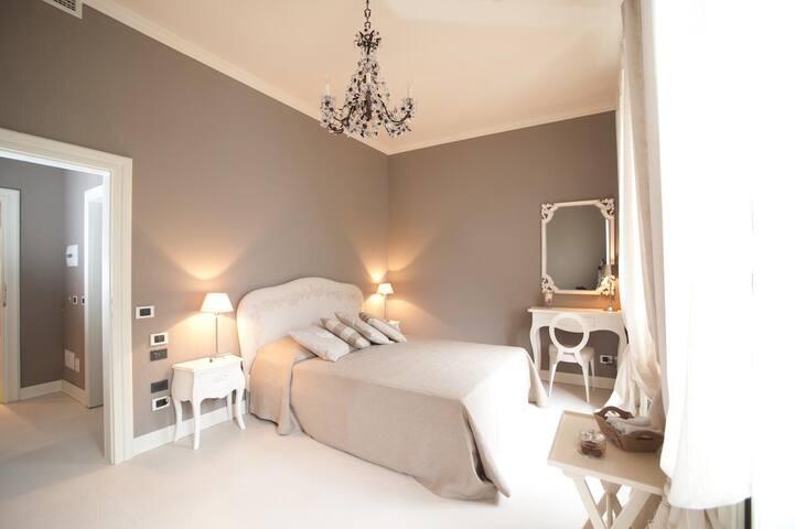 Camera romantica in Villa '800 - Laglio - Villa