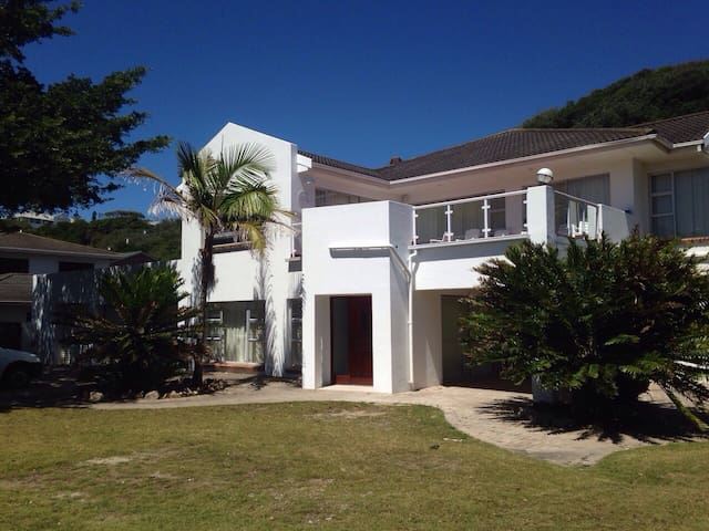 Stunning house on the River Kowie - Port Alfred - Huis