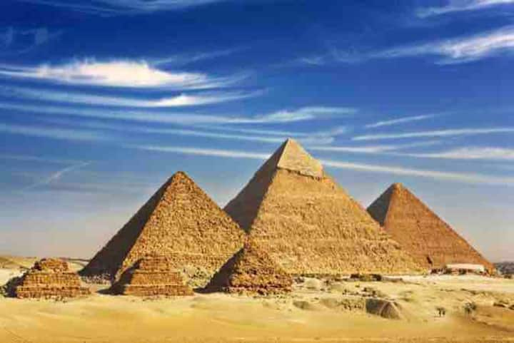 Pyramids and Sphinx Hostel