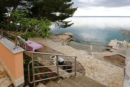 SEA VIEW AND PRIVATE BEACH - Starigrad - House