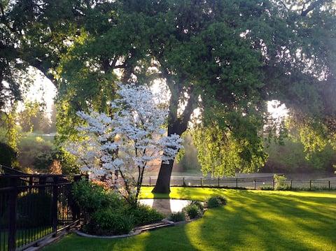 Sunset Riverfront Cozy Guest Suite on Organic Farm