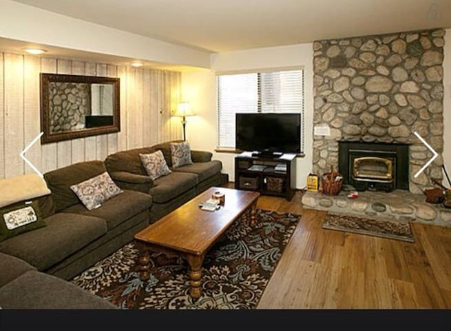 Mammoth Condo Sleeps 6 - Mammoth Lakes - Daire