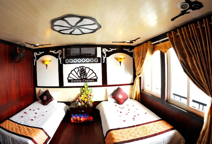 Deluxe Twin Cabin on  Halong Bay