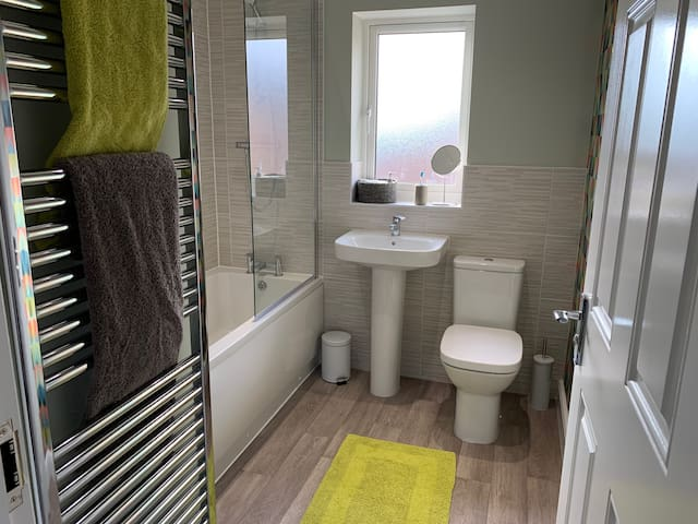 Master Bathroom with Bath/Shower - Guest Exclusive Use