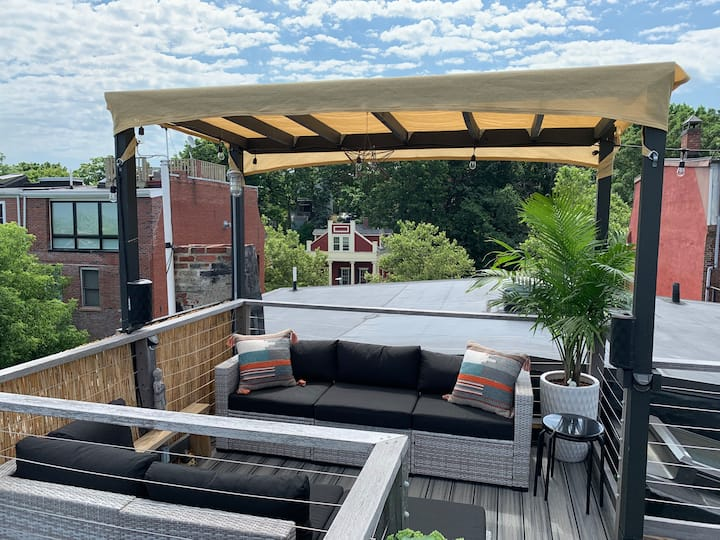 Boston Rooftop Retreat