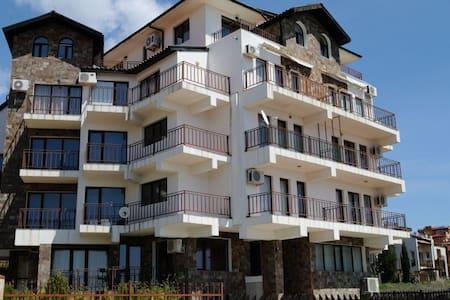 Апартамент в 2 минутах от пляжа - Sveti Vlas - Квартира