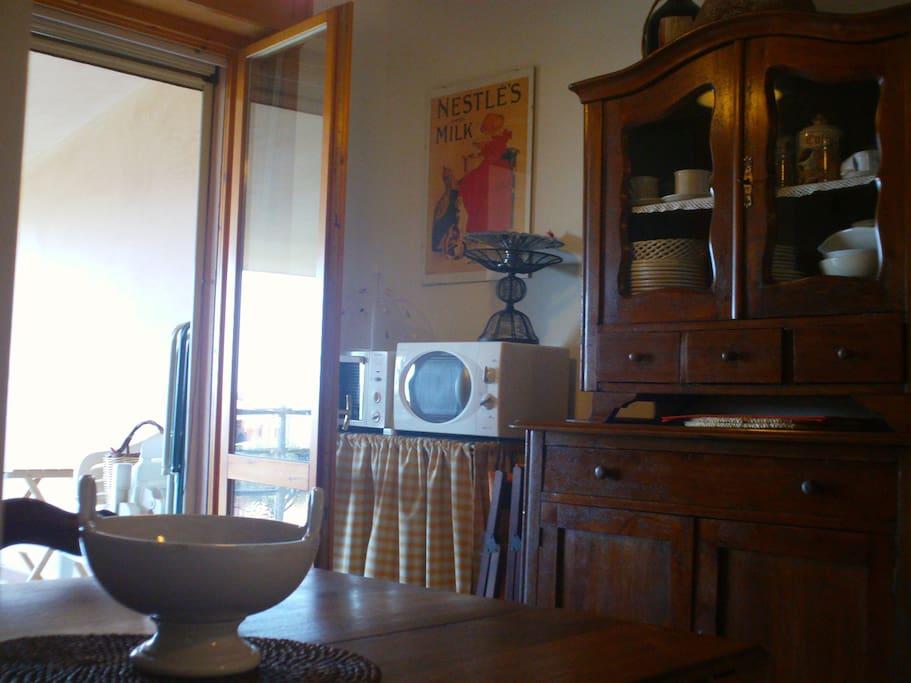 kitchenandlivingroom