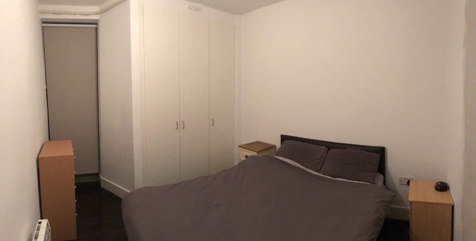 Bedroom in Cork city center