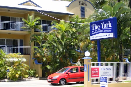 The York Beachfront Apartments - Yorkeys Knob - Apartment