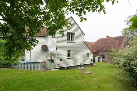 Delightful Comfortable Cottage