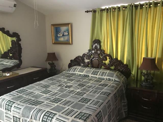 Apto de 1 hab. amplia sala y balcon, Wifi incluido
