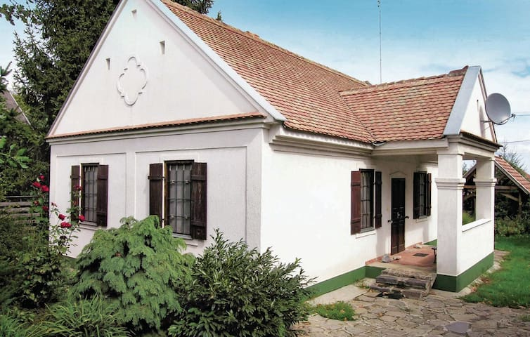 Holiday cottage with 4 bedrooms on 85 m² in Hajdúszoboszló