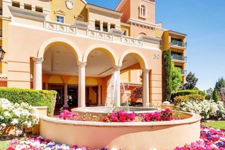 Lake Las Vegas Resort in Aston Montelago Village