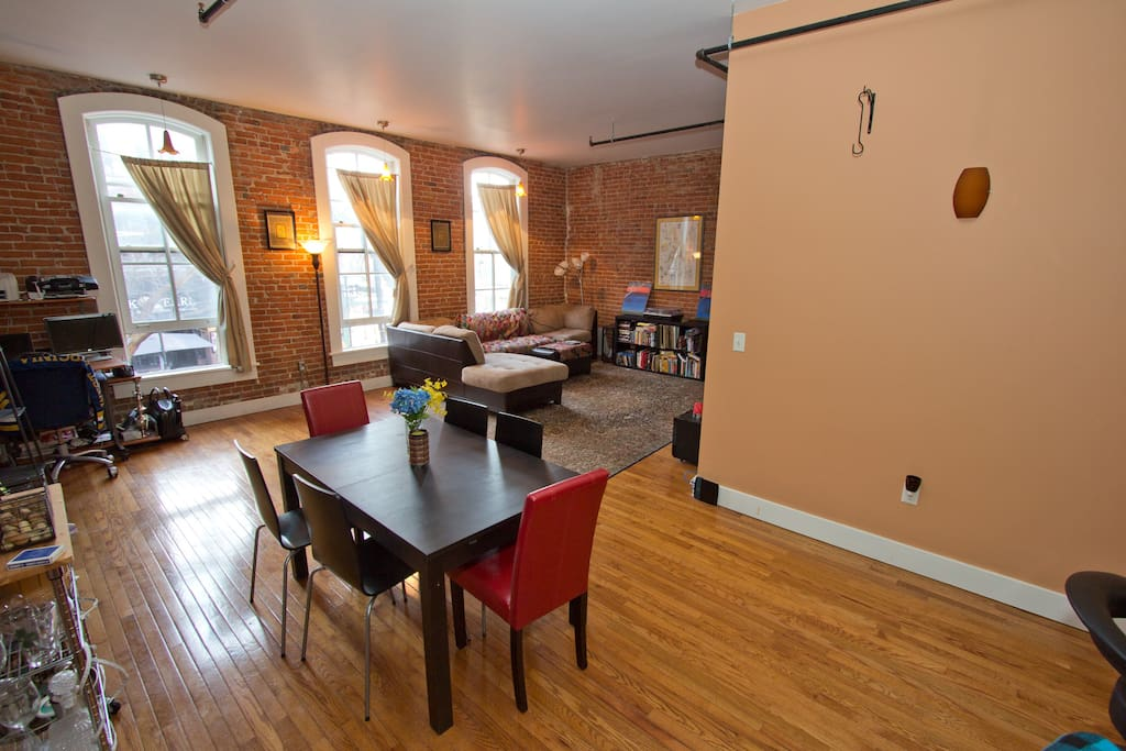 Loft 2 Bedroom On Main Street Downtown Ann Arbor Apartments For Rent In Ann Arbor Michigan