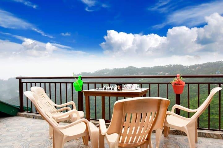 3 BedRoom Villa AV | ! kasauli! Terrace! staff