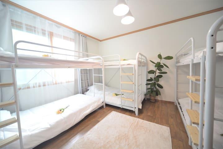 B★여성전용 다인실 (Dormitory)★HelloworldHouse # 역에서 10분