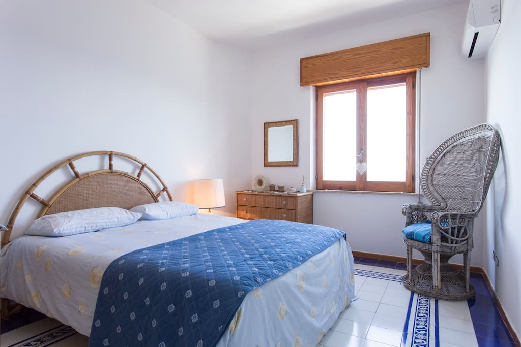 Double bedroom / stanza da letto matrimoniale