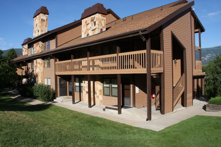 Newly Renovated Condo at Wolf Lodge - Eden - Byt