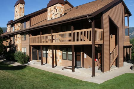 Newly Renovated Condo at Wolf Lodge - Eden - Appartement