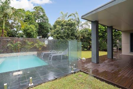 Detached Private Studio Beach/Pool - Vila