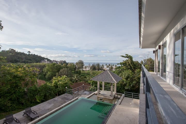 Phuket Seaview Villa Room
